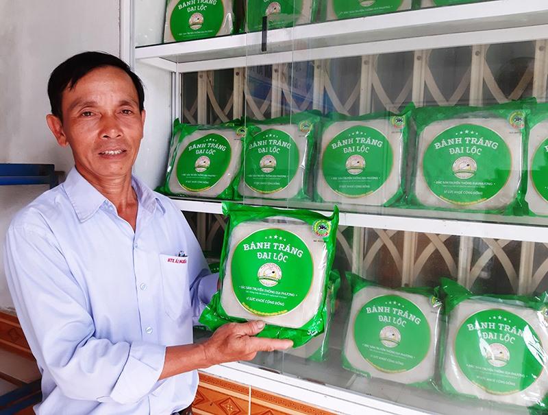 Sản phẩm bánh tráng Đại Lộc của HTX Nông nghiệp Ái Nghĩa được công nhận đạt hạng 4 sao OCOP năm 2018.Ảnh: VĂN SỰ
