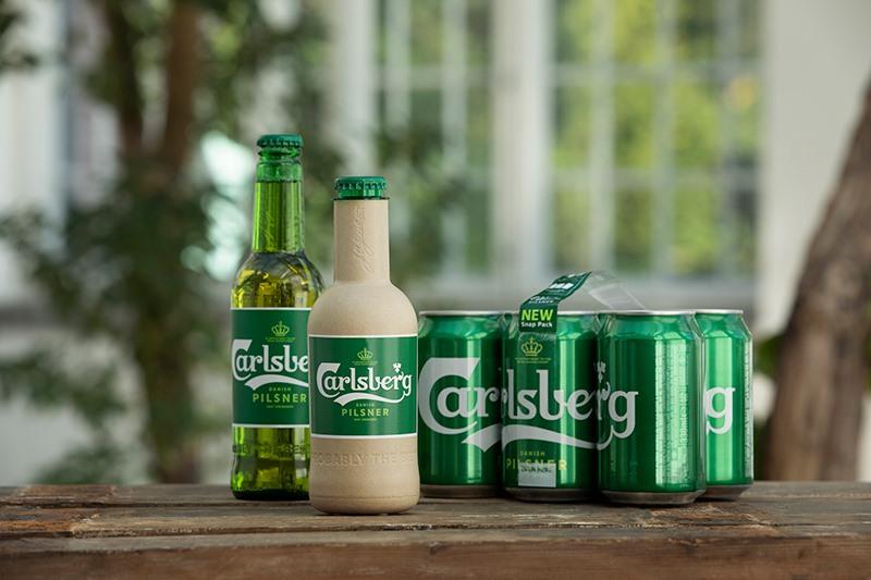 """Cùng với Snap Pack, sáng kiến về """"chai bia giấy"""" Green Fibre đã ghi nhận nỗ lực của Carlsberg trên hành trình không ngừng đổi mới và cải tiến về mọi mặt nhằm theo đuổi sự hoàn hảo."""
