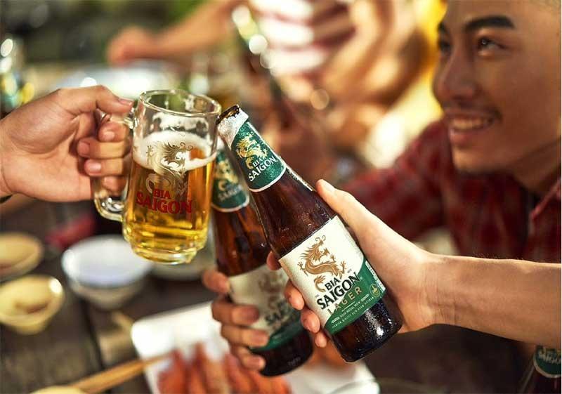 Bia Saigon Lager trở lại với diện mạo mới nhưng vẫn giữ vị ngon nguyên bản làm say lòng người tiêu dùng.