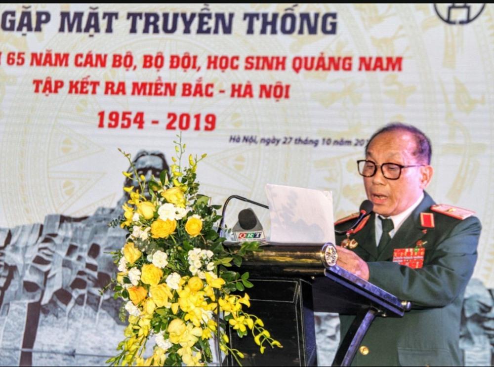 Thiếu tướng Nguyễn Văn Trí - Chủ tịch Hội đồng hương Quảng Nam tại Hà Nội phát biểu tại buổi gặp mặt. Ảnh: PV