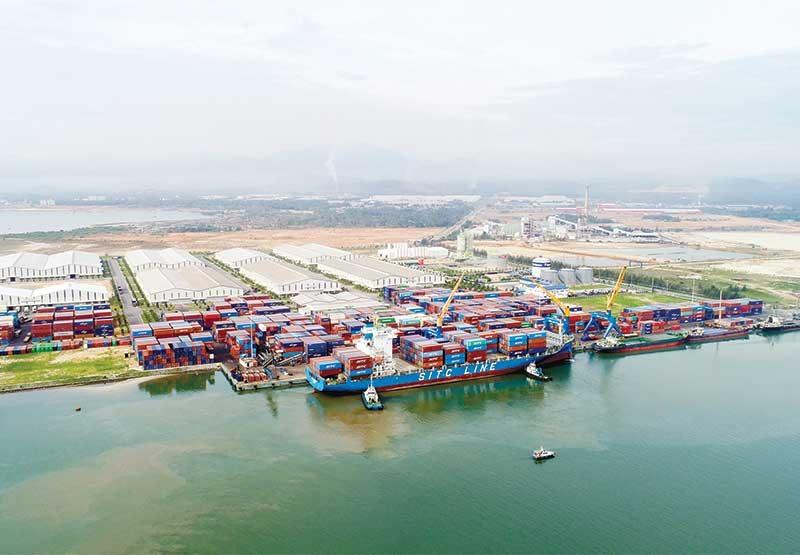 Khởi sự từ kết nối với cảng biển Inchon Hàn Quốc đã mở ra cơ hội cho cảng Chu Lai thành cảng quốc tế. Ảnh: T.D