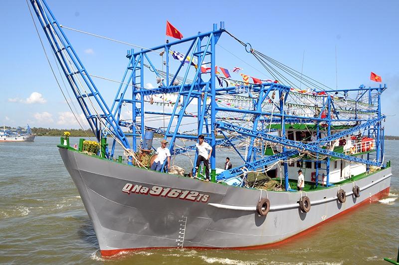 Một tàu khai thác xa bờ được đóng mới từ nguồn vốn vay theo Nghị định 67. Ảnh: VIỆT NGUYỄN