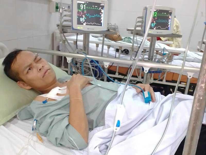 Alăng Reo tại Khoa Hồi sức tích cực chống độc, Bệnh viện Đà Nẵng. Ảnh: Đ.N