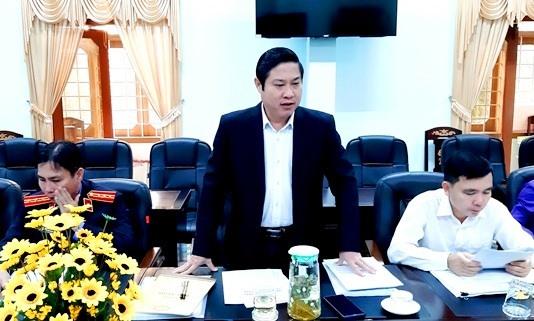 """Ông Phan Thái Bình - Phó Trưởng đoàn Đại biểu Quốc hội tỉnh đề nghị các ngành chức năng phối hợp giải quyết nợ xấu """"tàu 67"""". Ảnh: QUANG VIỆT"""
