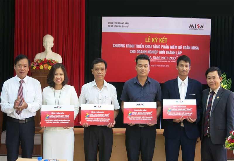 Hỗ trợ tư vấn về phần mềm thuế, mở lớp đào tạo nâng cao kỹ năng quản trị doanh nghiệp là một trong những mục tiêu hàng đầu của Quảng Nam trong việc dưỡng nghiệp cho doanh nghiệp. Ảnh: T.D