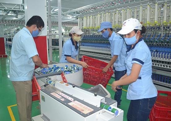 Thu hút nhiều doanh nghiệp sản xuất sợi vào Quảng Nam. Ảnh: QUANG VIỆT