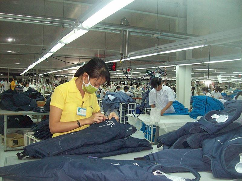 Thiếu liên kết, thiếu nhân lực chất lượng cao đang cản trở sự phát triển ngành dệt may của Quảng Nam. Ảnh: Đ.H