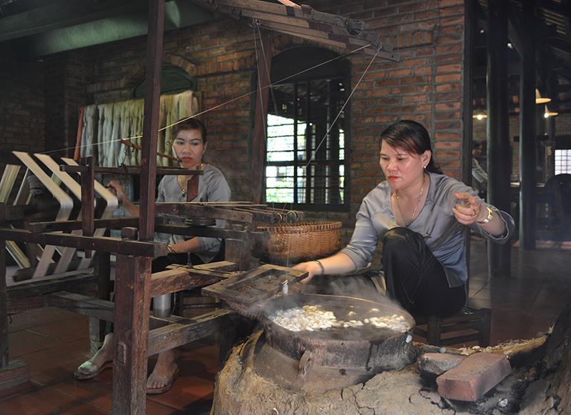 Festival Văn hóa Tơ lụa nhằm hướng đến đưa tơ lụa Việt Nam vươn ra thế giới.
