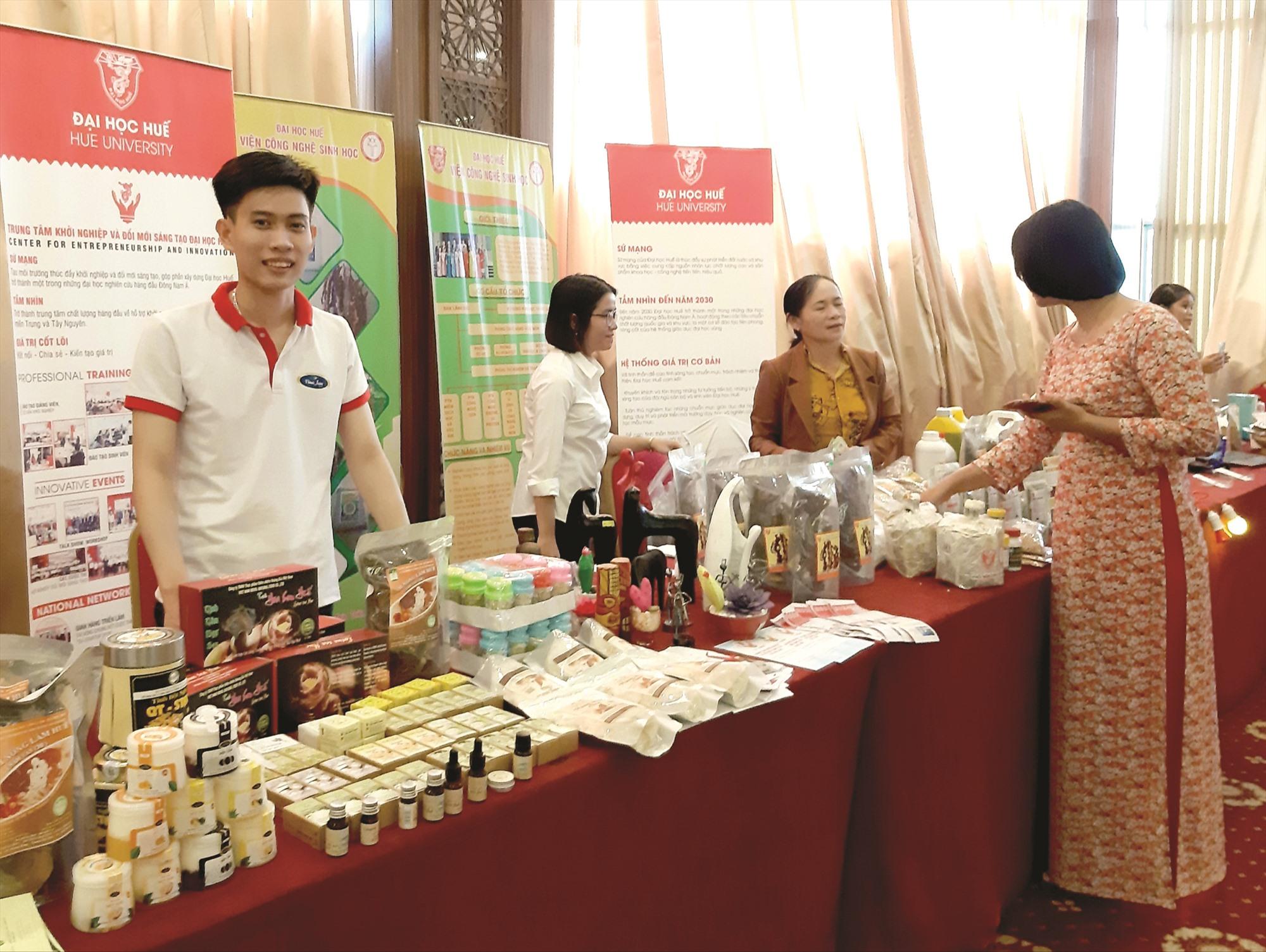 Thời gian qua, tỉnh tạo điều kiện thuận lợi cho các chủ thể tham gia trưng bày, giới thiệu những sản phẩm OCOP .
