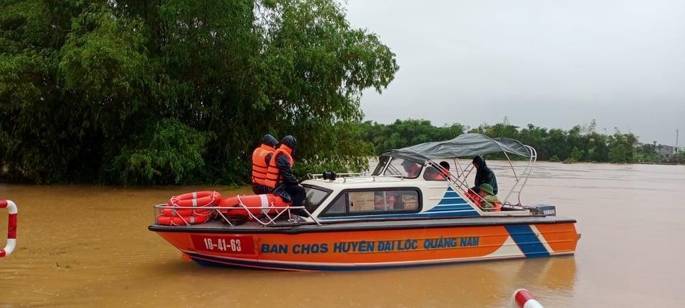 Sẵn sàng phương tiện tham gia ứng cức, khắc phục hậu quả mưa lũ.