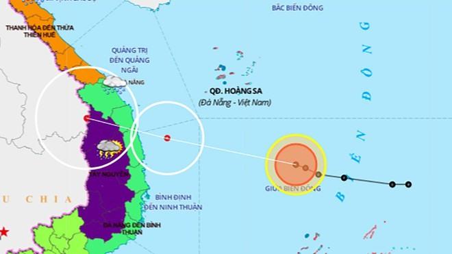 Áp thấp nhiệt đới trên Biển Đông dự báo mạnh lên thành bão, đi vào các tỉnh từ Quảng Nam đến Phú Yên. Ảnh: Trung tâm Dự báo KTTV quốc gia