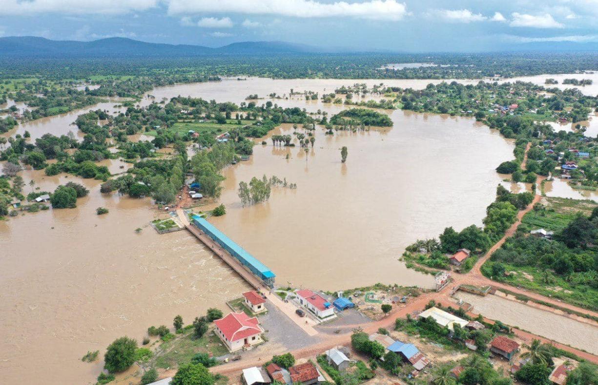 Một số nước Đông Nam Á như Việt Nam, Campuchia, Thái Lan đang gồng mình chống lũ. lụt. Ảnh: watchernews