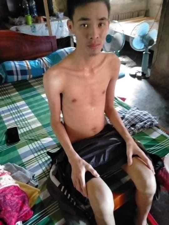 Nguyễn Văn Lệ đau đớn chống chọi với căn bệnh hiểm nghèo. Ảnh: N.Q