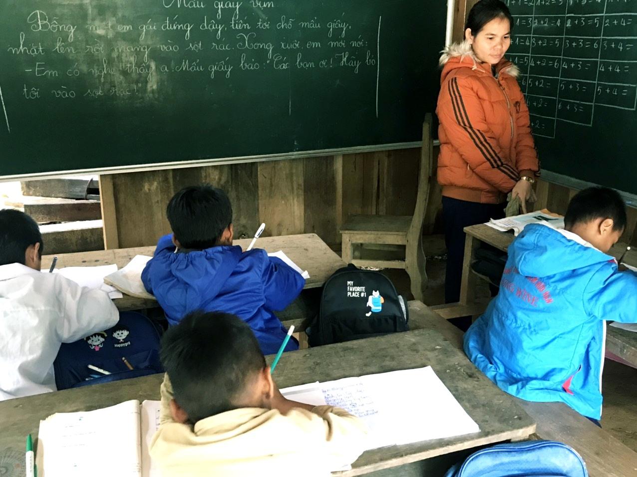 """Một lớp học ghép ở Aur được tái """"khởi động"""". Ảnh: C.L.N"""