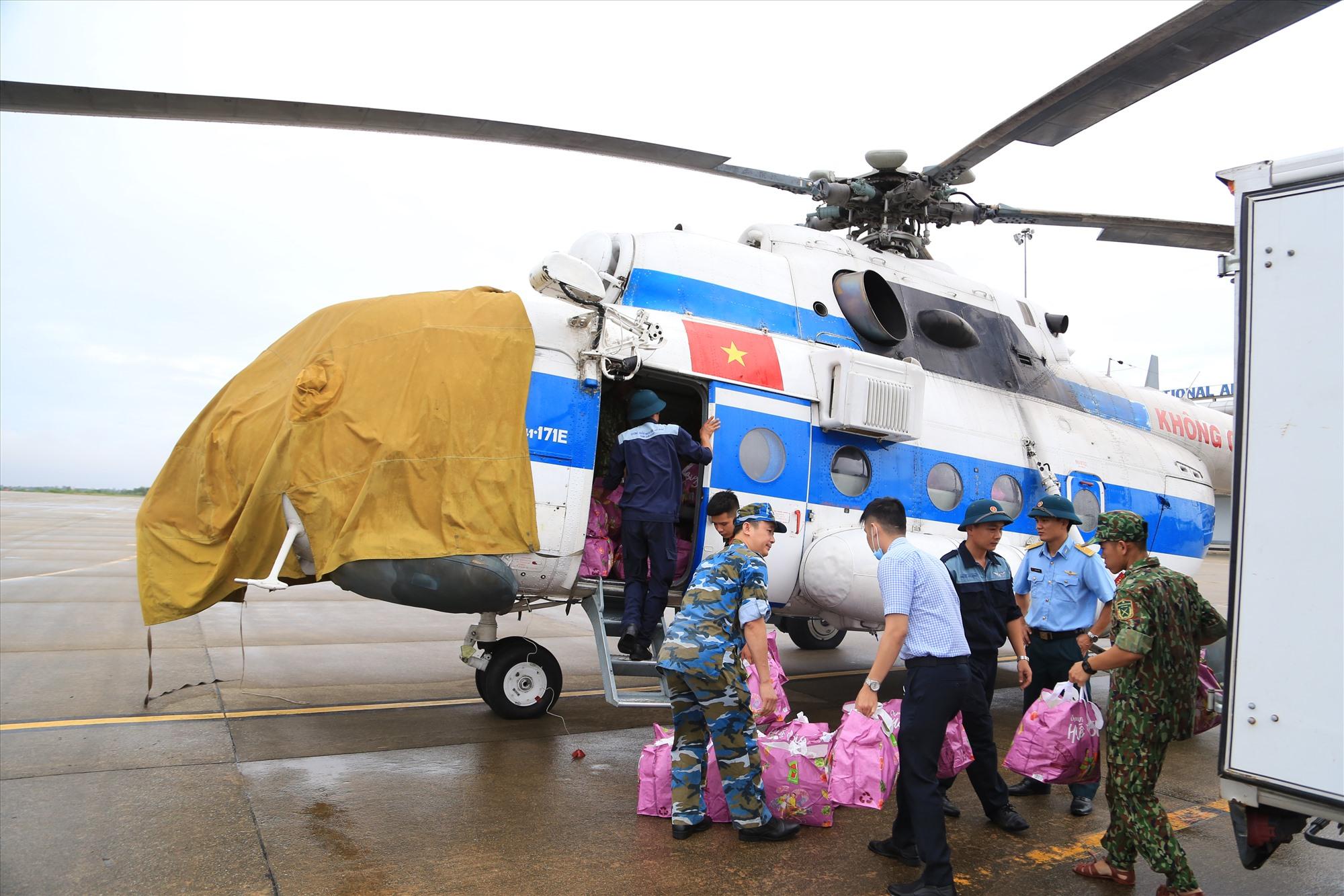 Trực thăng của Sư đoàn 372 sẽ bay tiếp tế ngay khi điều kiện thời tiết thuận lợi. Ảnh: X.K