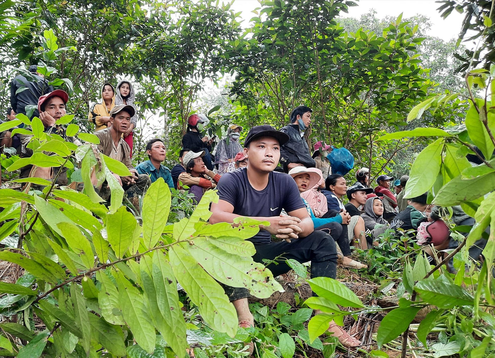 Người dân còn sống sót cần nơi ở an toàn trong những ngày mưa bão sắp đến. Ảnh: PV
