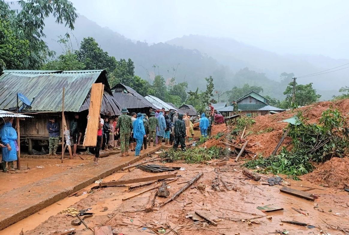 UBND tỉnh yêu cầu tập trung ổn định chỗ ở cho người dân miền núi bị thiệt hại do thiên tai. Ảnh: CTV