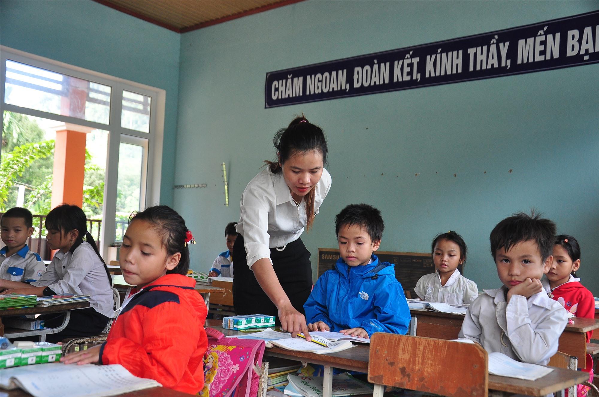 Hoạt động dạy học ở Trường Phổ thông dân tộc bán trú tiểu học Trà Leng được khởi động lại từ ngày 18.11. Ảnh: VINH ANH