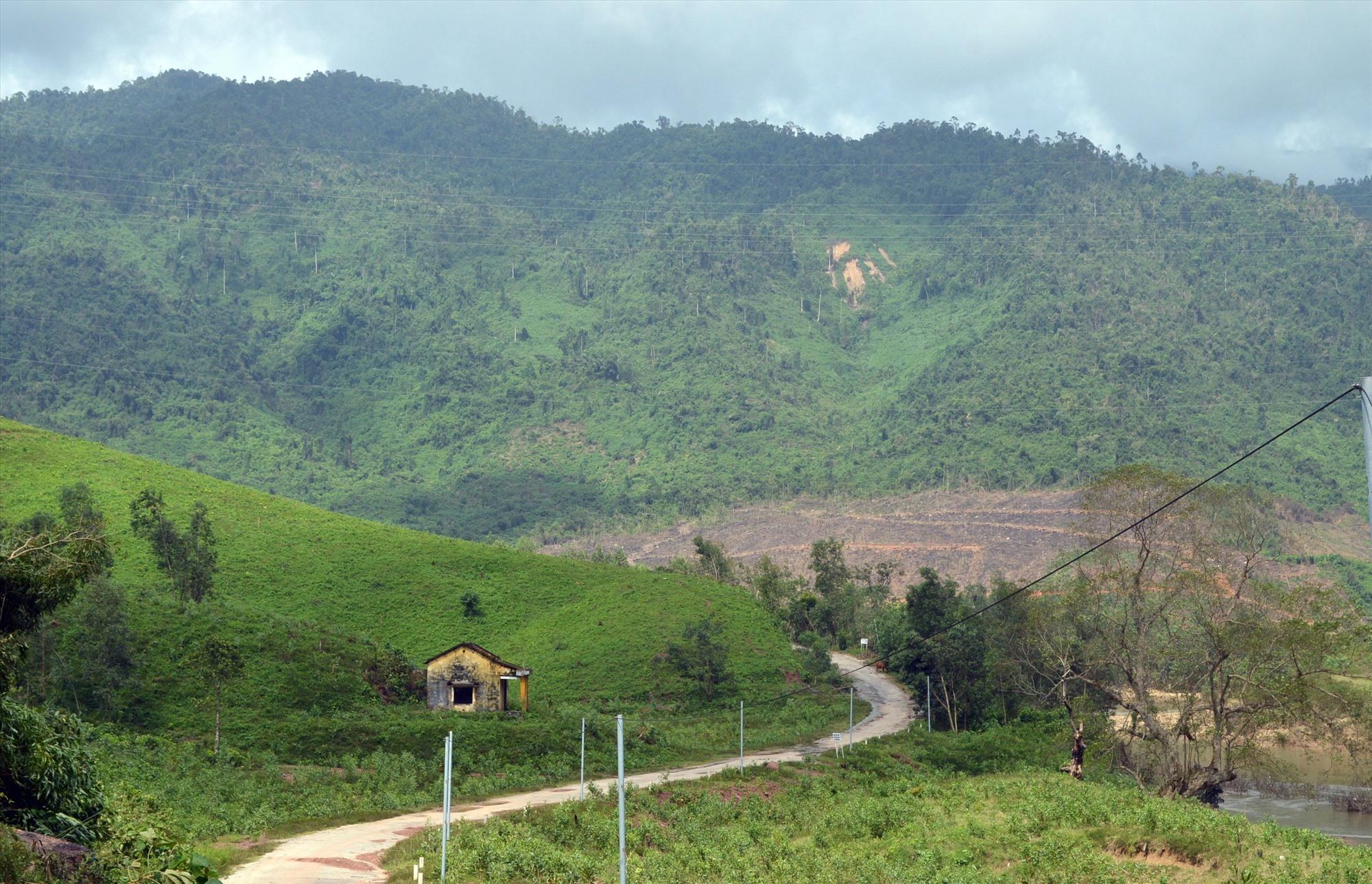 Con đường từ xã Đại Hưng lên xã Kà Dăng đã thông tuyến