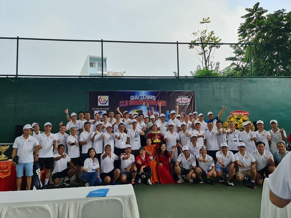 Giải Tennis hướng về miền Trung nhận được sự ủng hộ của nhiều doanh nhân, nhà hảo tâm. Ảnh: Ban tổ chức