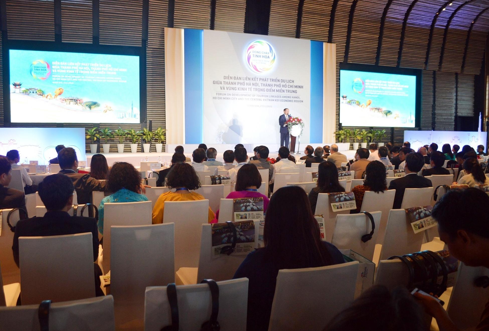 The forum on tourism development among 7 Vietnam's localities