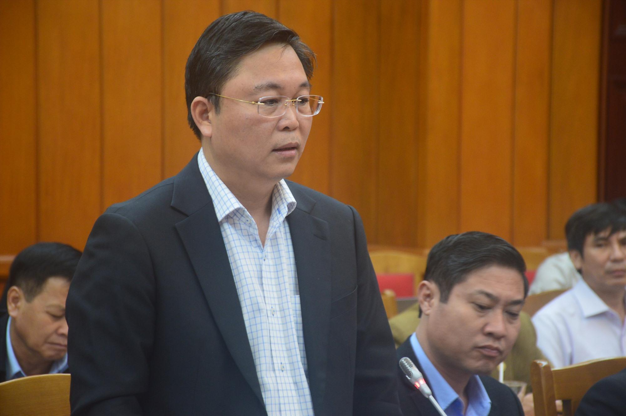 Chủ tịch UBND tỉnh Lê Trí Thanh phát biểu tại buổi làm việc. Ảnh: Q.T