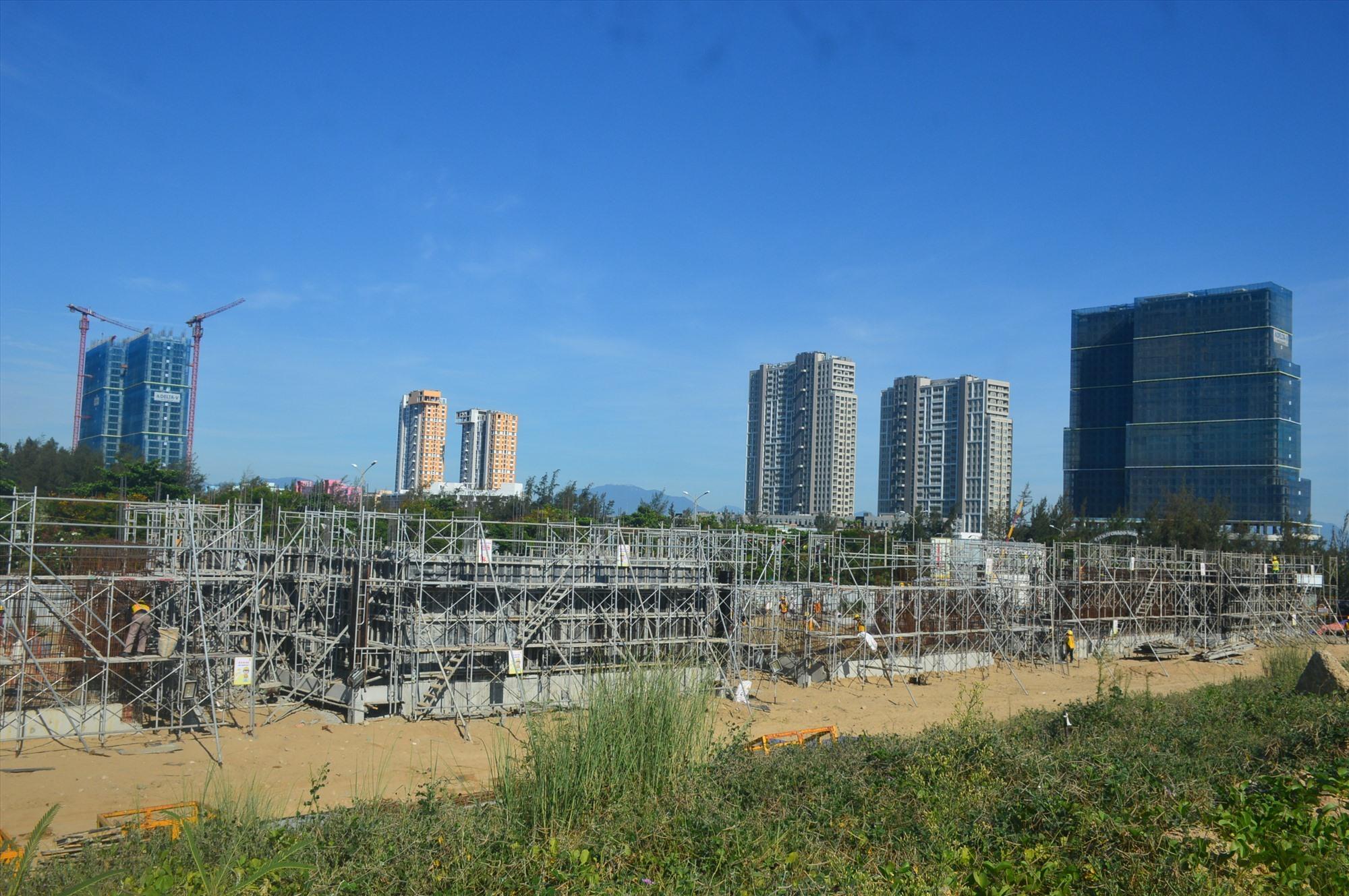 Hạ tầng khu vực giáp ranh Hội An, Điện Bàn với TP.Đà Nẵng đang phát triển sôi động. Ảnh: Q.T