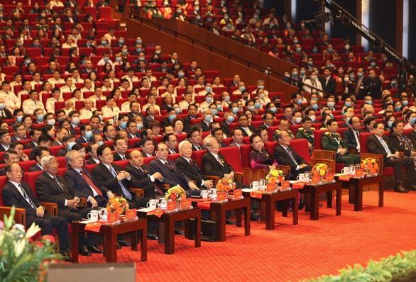 ổng bí thư, Chủ tịch nước Nguyễn Phú Trọng cùng các lãnh đạo, nguyên lãnh đạo Đảng, Nhà nước dự lễ khai mạc Đại hội thi đua yêu nước toàn quốc lần thứ X - Ảnh: TTXVN