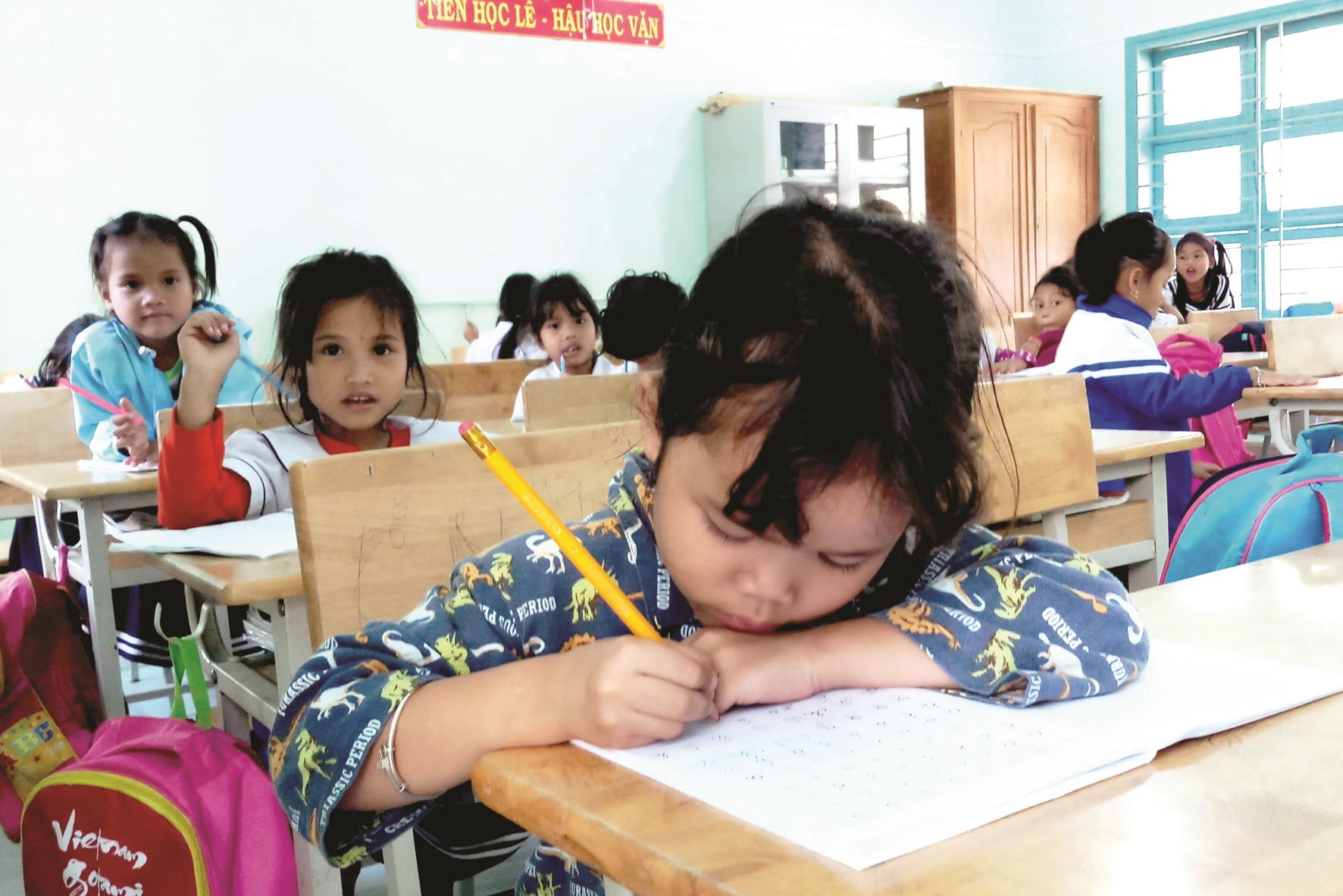 Chăm chỉ trên lớp học.