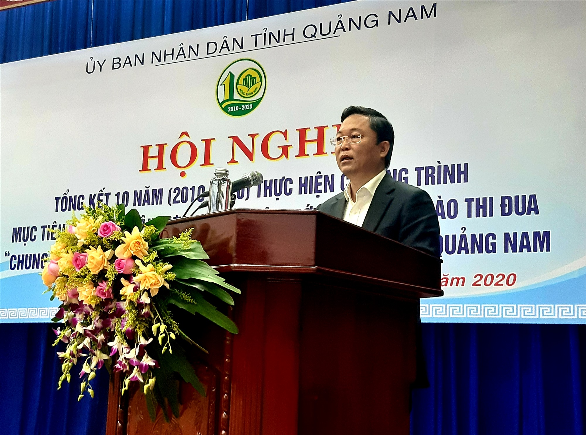 Chủ tịch UBND tỉnh Lê Trí Thanh phát biểu chỉ đạo tại hội nghị.   Ảnh: VĂN SỰ