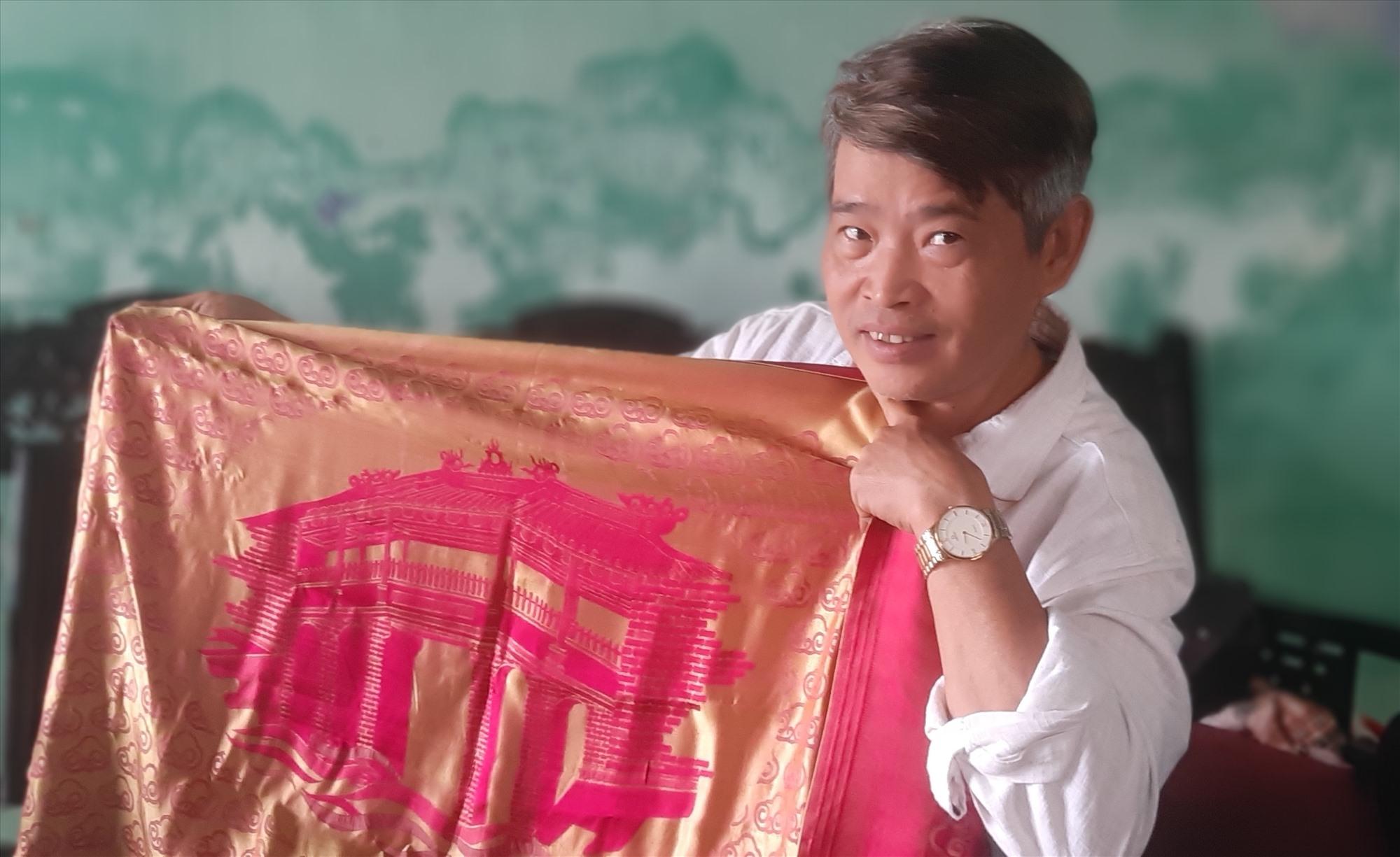 Tham gia Chương trình OCOP là cơ hội lớn để sản phẩm lụa Mã Châu nâng cao chất lượng, mở rộng thị trường tiêu thụ. Ảnh: H.N