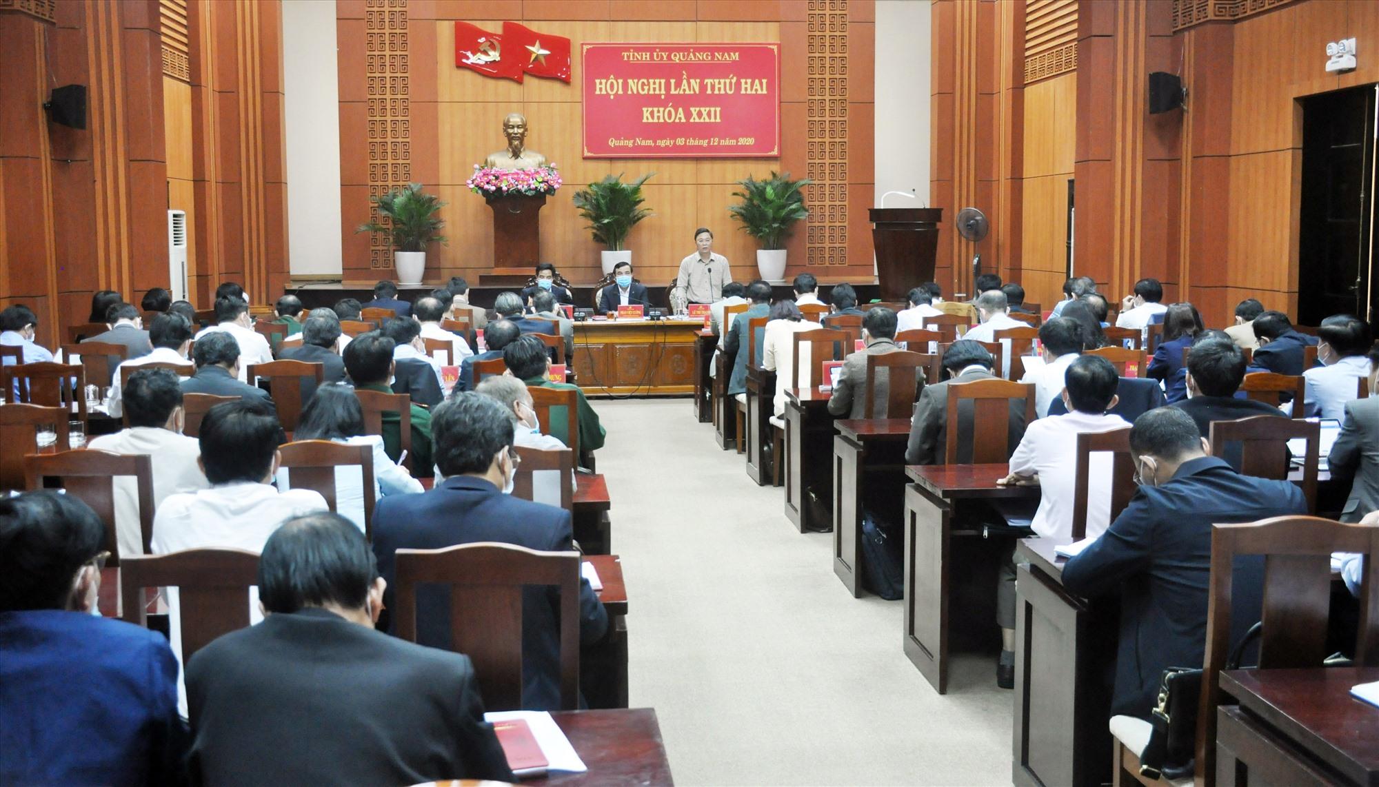 Quang cảnh hội nghị Tỉnh ủy lần thứ 2 diễn ra sáng 3.12. Ảnh: N.Đ
