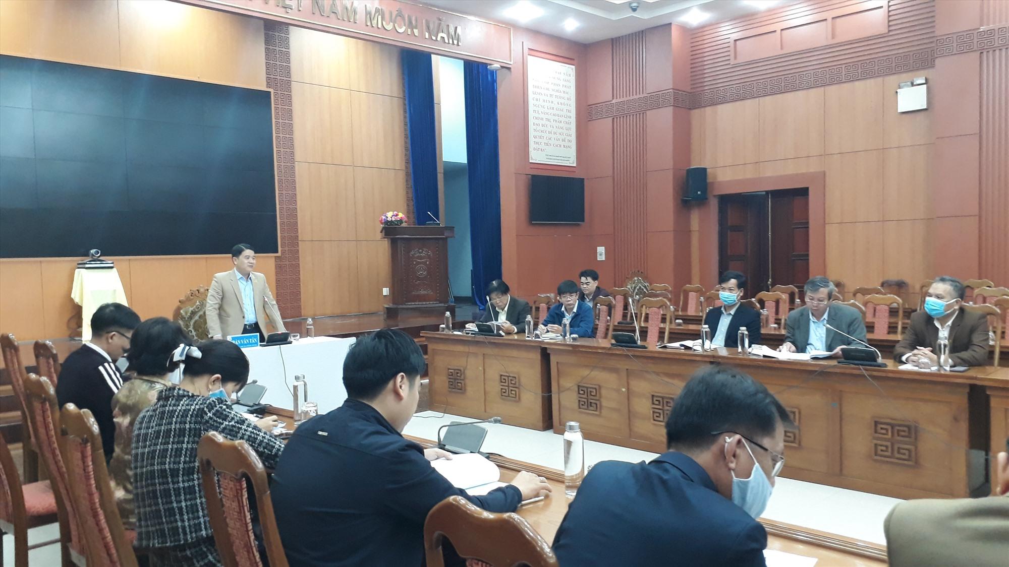 Phó Chủ tịch UBND tỉnh Trần Văn Tân nhấn mạnh đến tâm quan trọng của văn hóa đọc. Ảnh: X.P