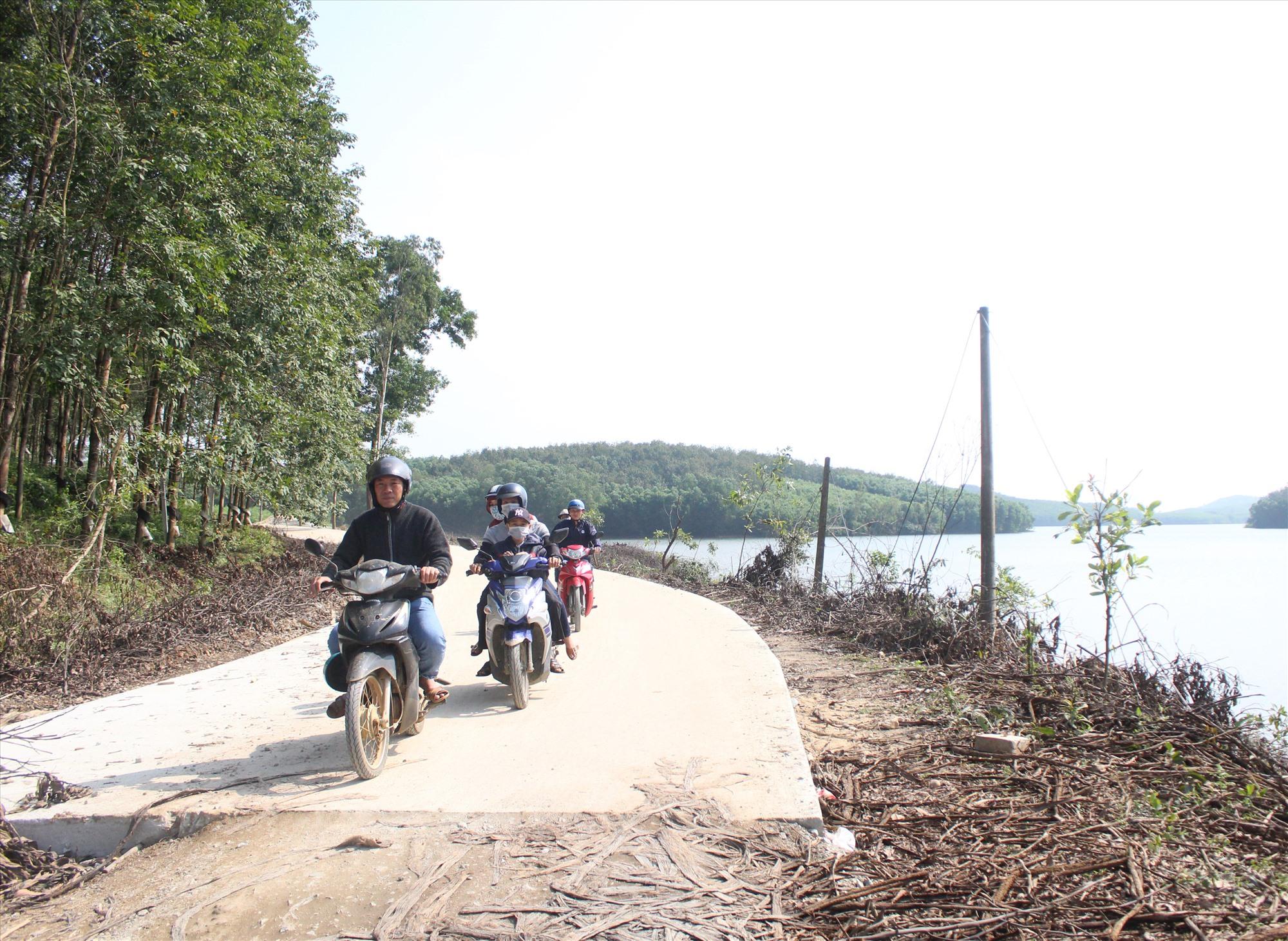 Khu vực rừng phòng hộ Phú Ninh được các bên liên quan phối hợp triển khai các biện pháp bảo vệ. Ảnh: VĂN PHIN