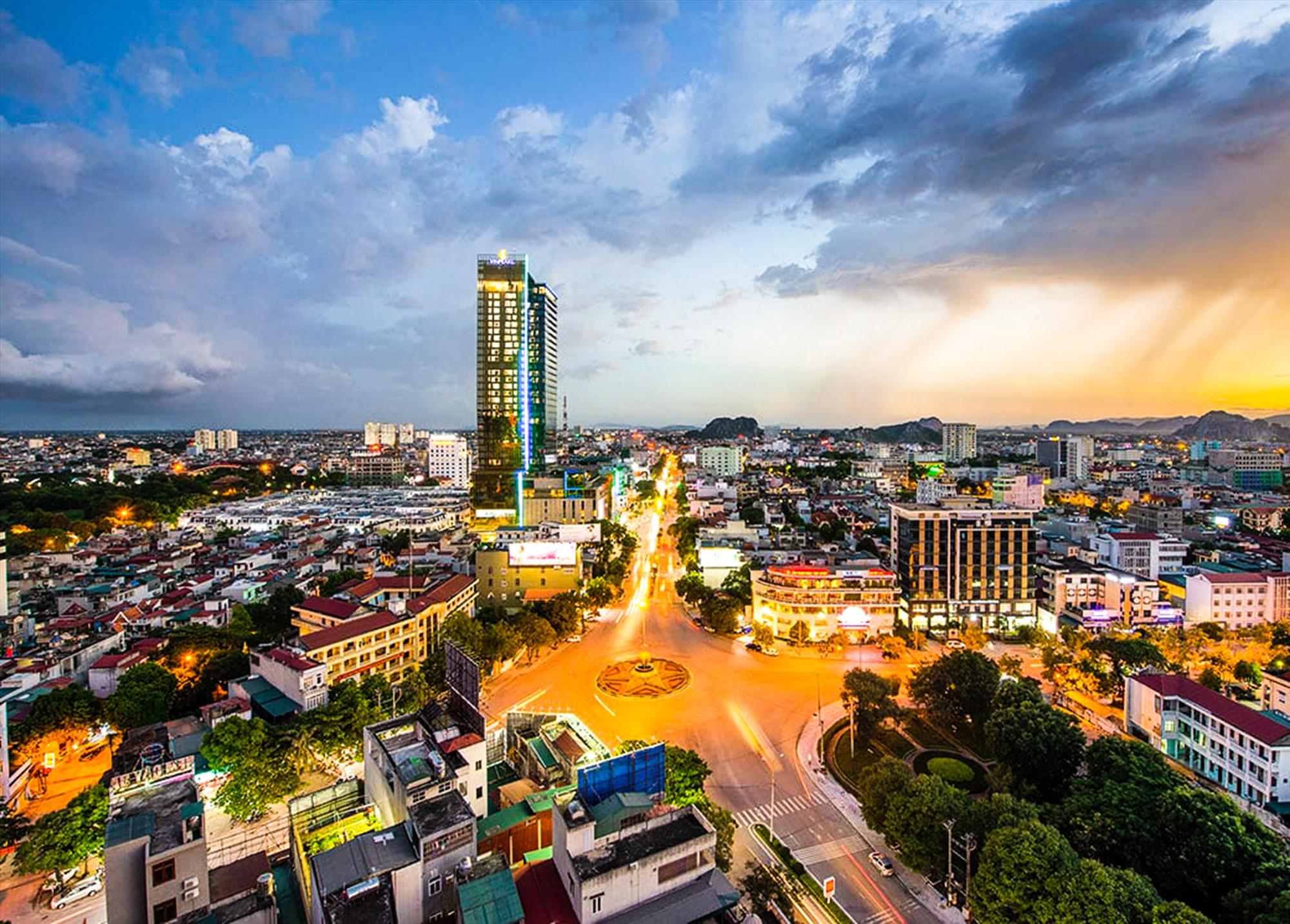 Thành phố Thanh Hóa vào ban đêm.