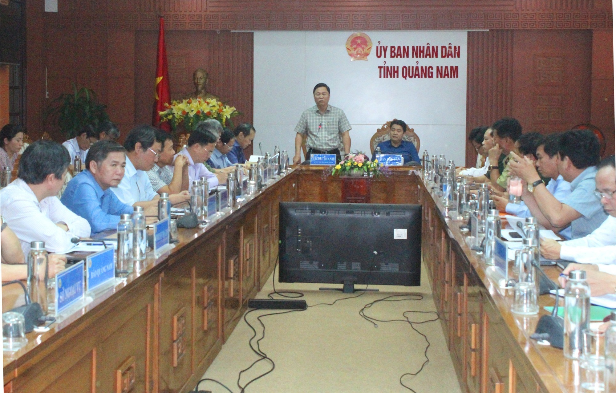 Quang cảnh cuộc họp của Ban Chỉ đạo phòng chống dịch Covid-19 cấp tỉnh vào chiều nay 12.3. Ảnh: D.L