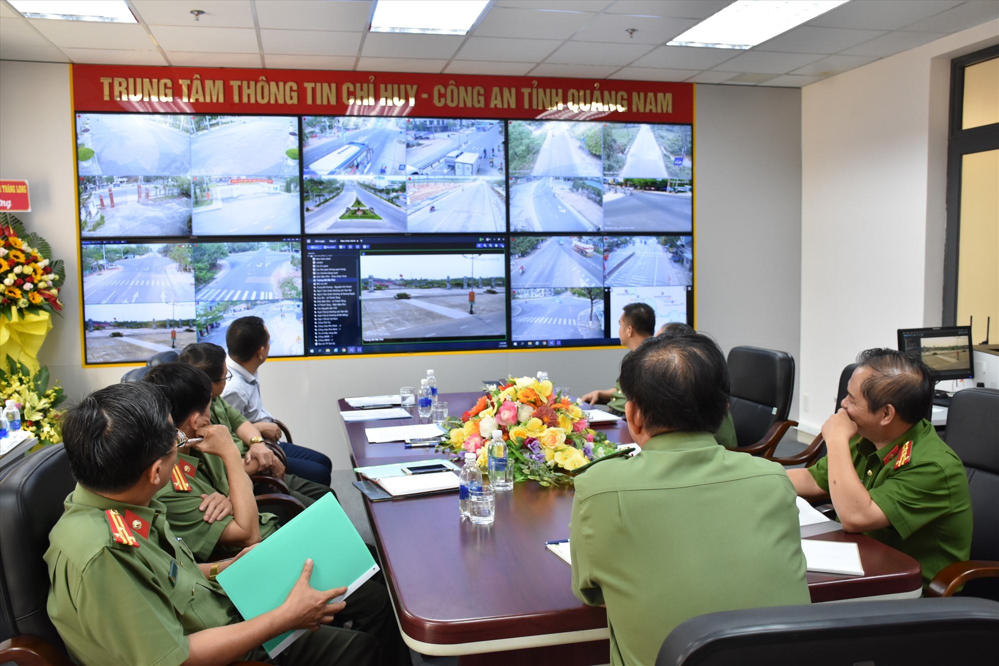 Trung tâm có 19 camera lắp đặt tại 14 điểm trên địa bàn thành phố Tam Kỳ và sẽ được mở rộng hơn trong thời gian tới. Ảnh: MINH TUẤN