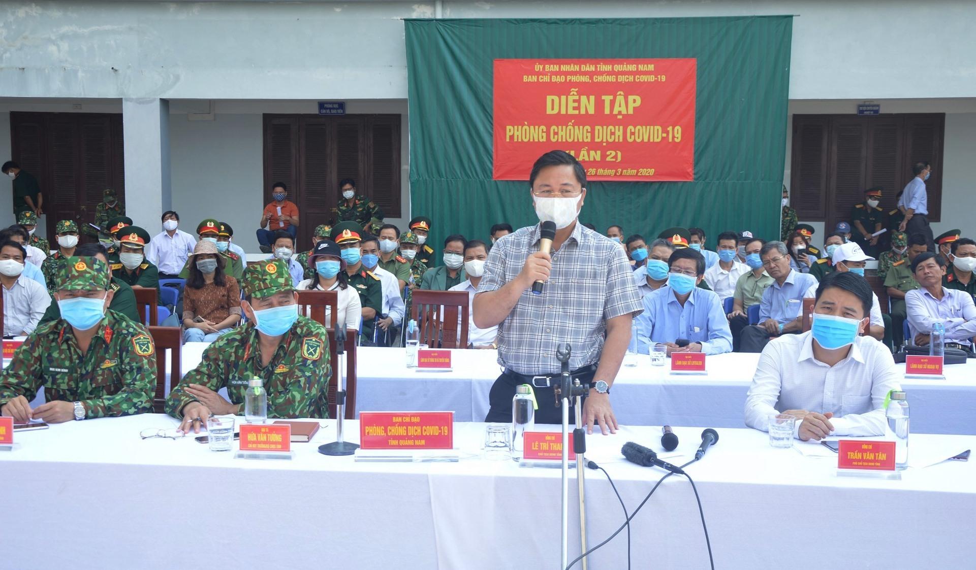 Chủ tịch UBND tỉnh Lê Trí Thanh, chỉ đạo tại buổi diễn tập.