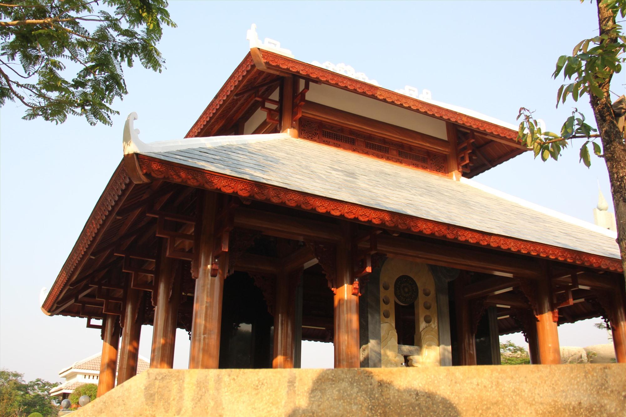 Công trình nhà bia được mô phỏng theo Nhà bia Vĩnh Lăng ở Khu di tích quốc gia đặc biệt Lam Kinh (tỉnh Thanh Hóa). Ảnh: A.N