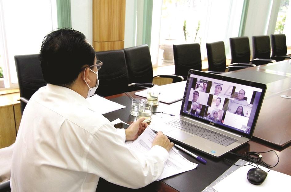 Mọi hoạt động được chỉ đạo, điều hành họp trực tuyến. Ảnh: N.C