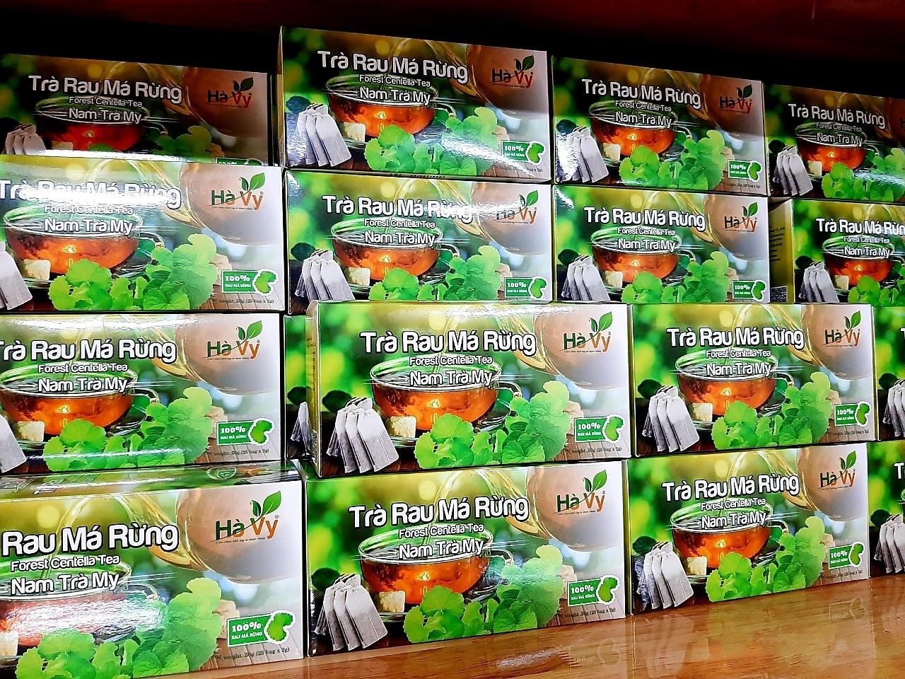 Trà rau má rừng nguyên chất của Cơ sở sản xuất & kinh doanh Hà Vy đã được công nhận sản phẩm đạt chuẩn OCOP 3 sao cấp tỉnh năma 2019. Ảnh: N.P