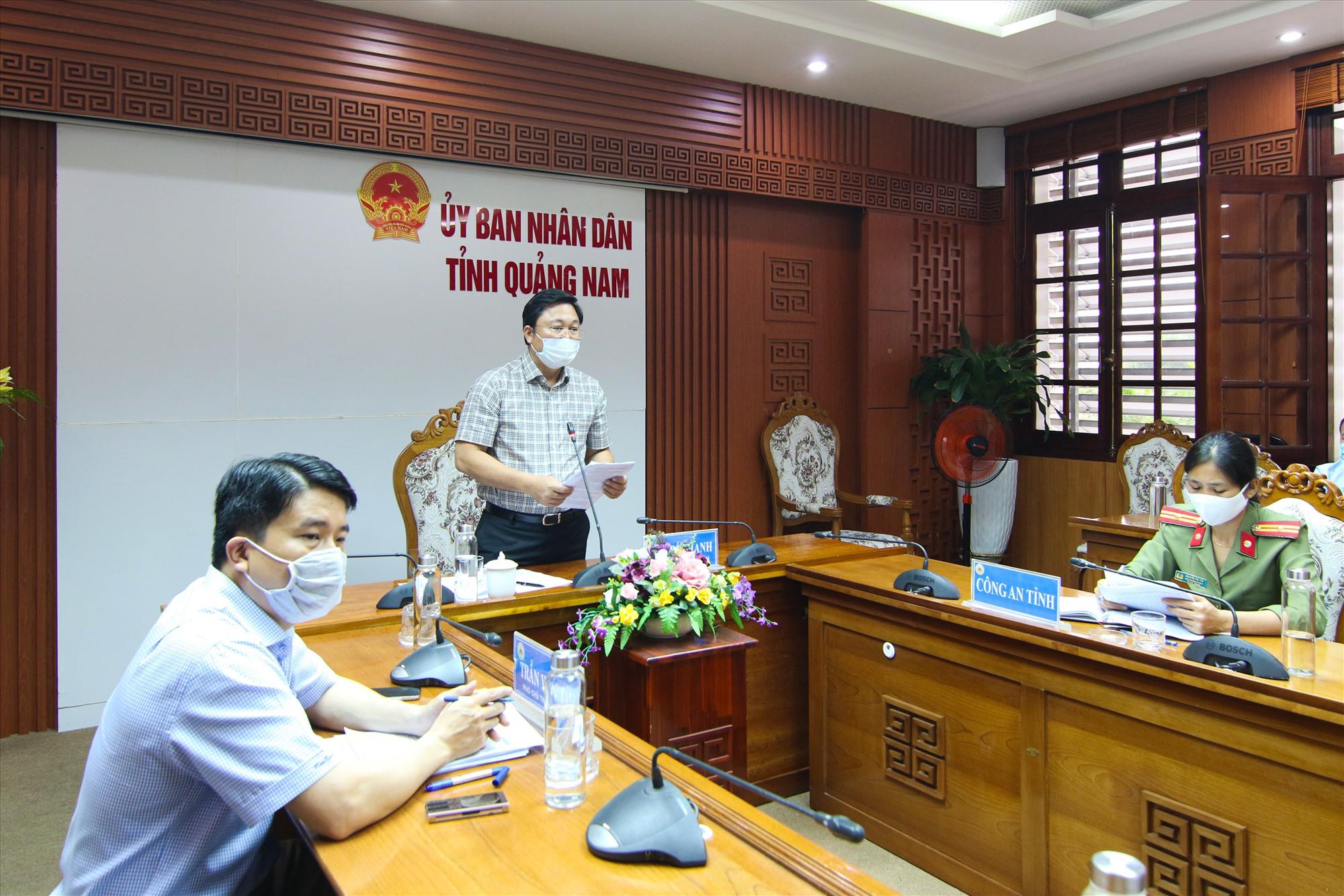 Chủ tịch UBND tỉnh Lê Trí Thanh phát biểu kiến nghị tại cuộc họp.