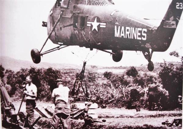Quân Mỹ đổ bộ xuống Vạn Tường, 18.8.1965.