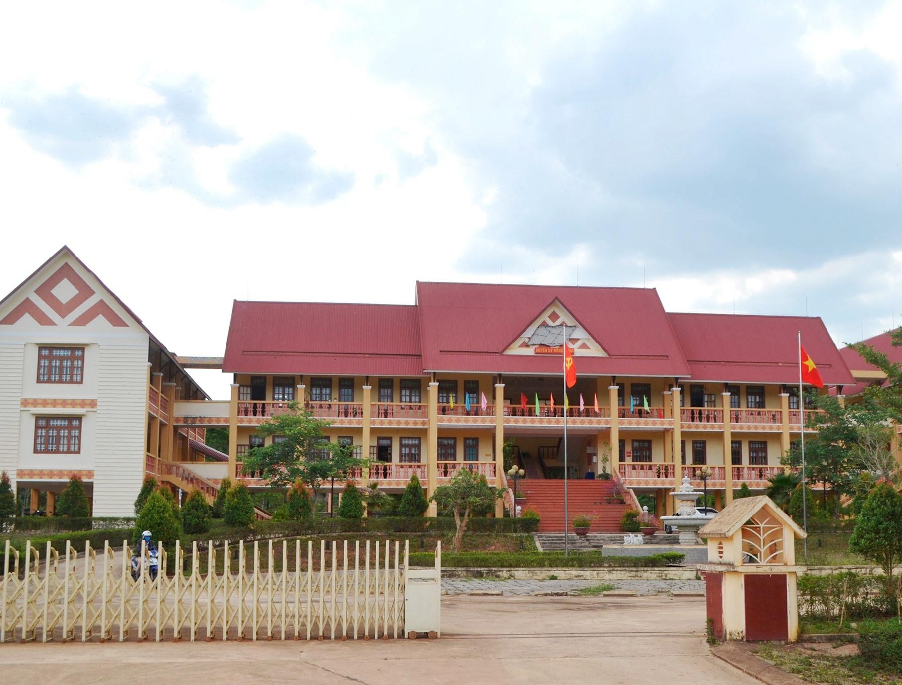 Huyện ủy Đông Giang đã và đang tích cực chuẩn bị tổ chức Đại hội đại biểu Đảng bộ huyện lần thứ XIX. Ảnh: C.T