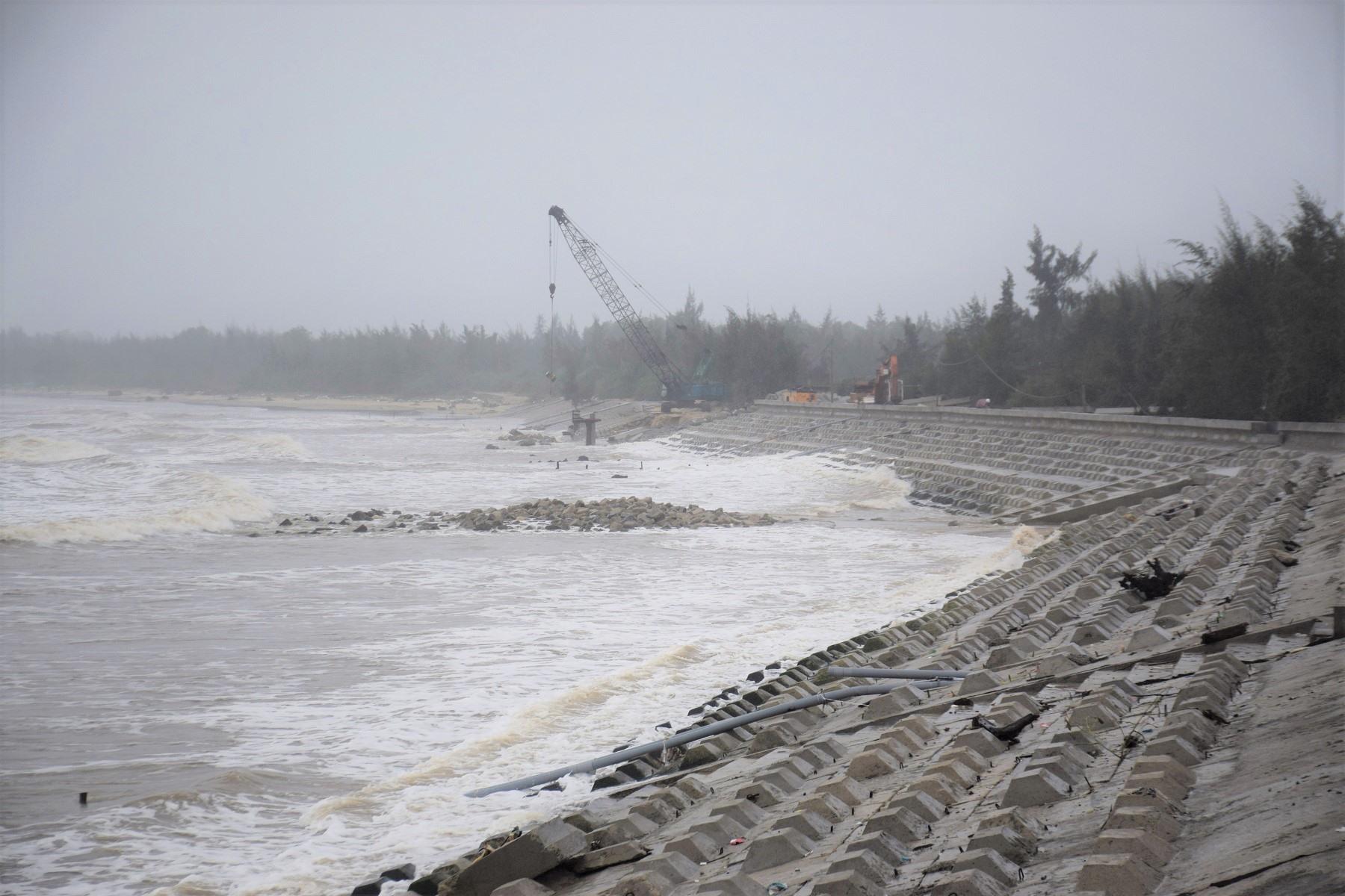 Một công trình bờ kè Tam Hải được đưa vào sử dụng năm 2019. Ảnh: THANH THẮNG