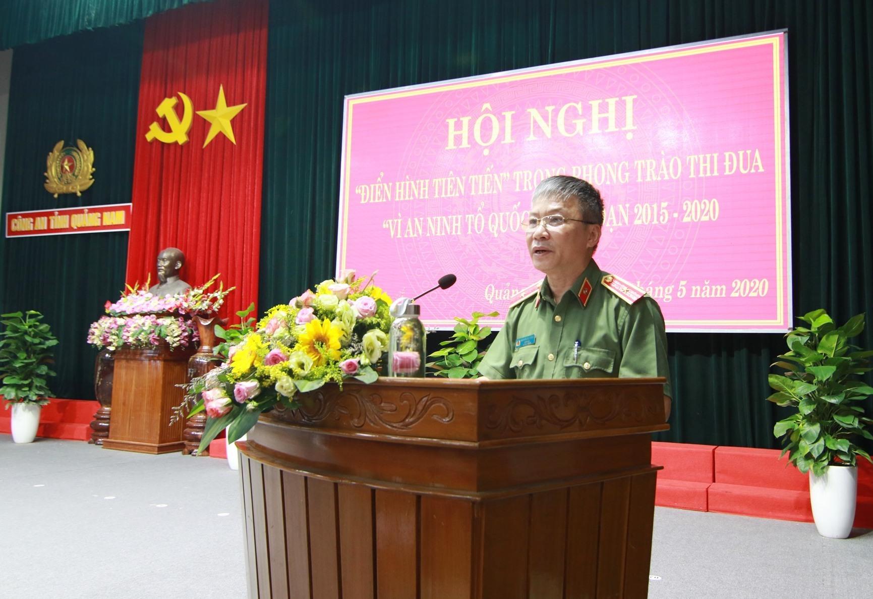 Thiếu tướng Nguyễn Đức Dũng - Giám đốc Công an tỉnh phát biểu khai mạc hội nghị. Ảnh: T.C