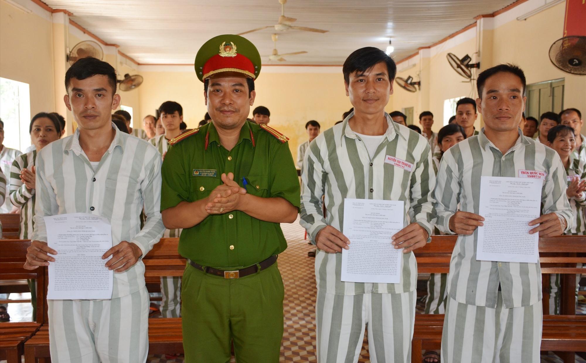 Trao quyết định tha tù trước thời hạn có điều kiện đợt 1 năm 2020 cho 3 phạm nhân
