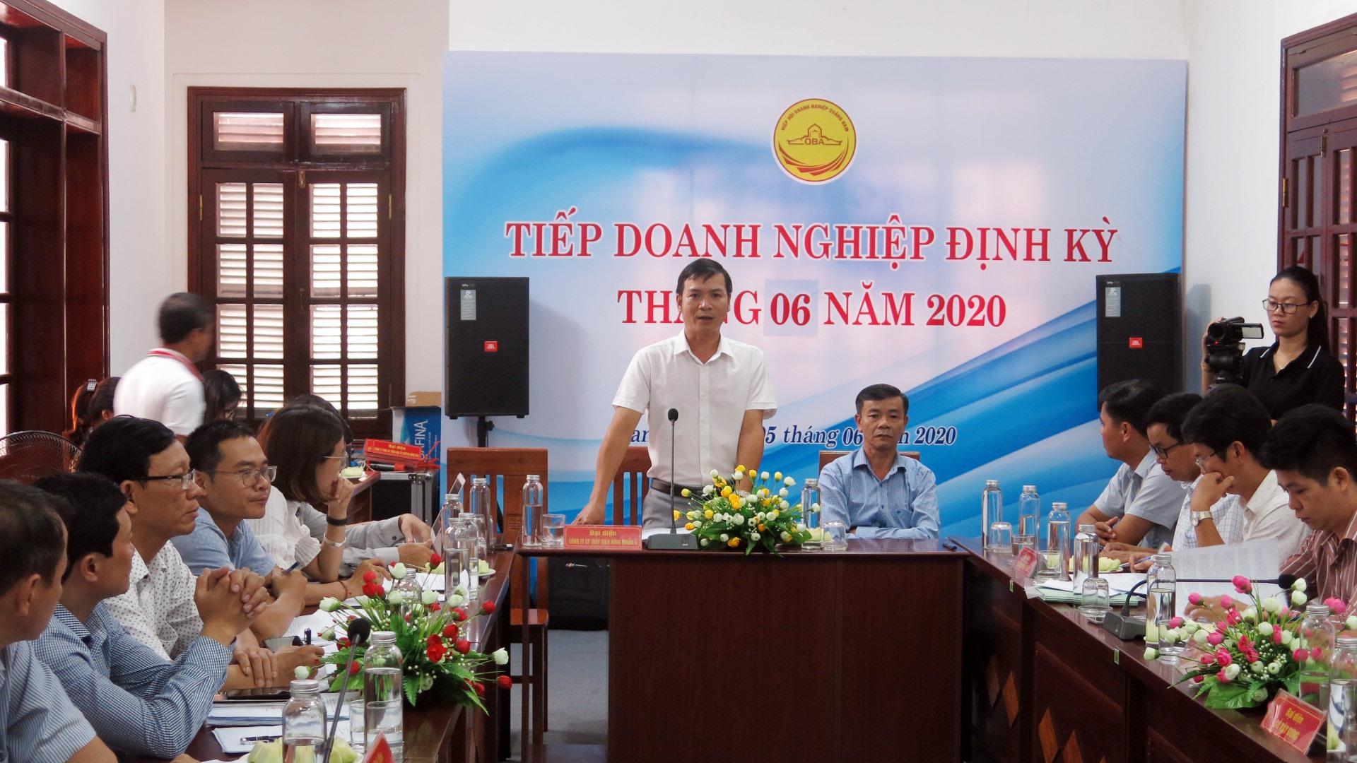 Các kiến nghị của doanh nghiệp định kỳ tháng 6 được lãnh đạo UBND tỉnh lắng nghe để giải quyết . Ảnh: T.D