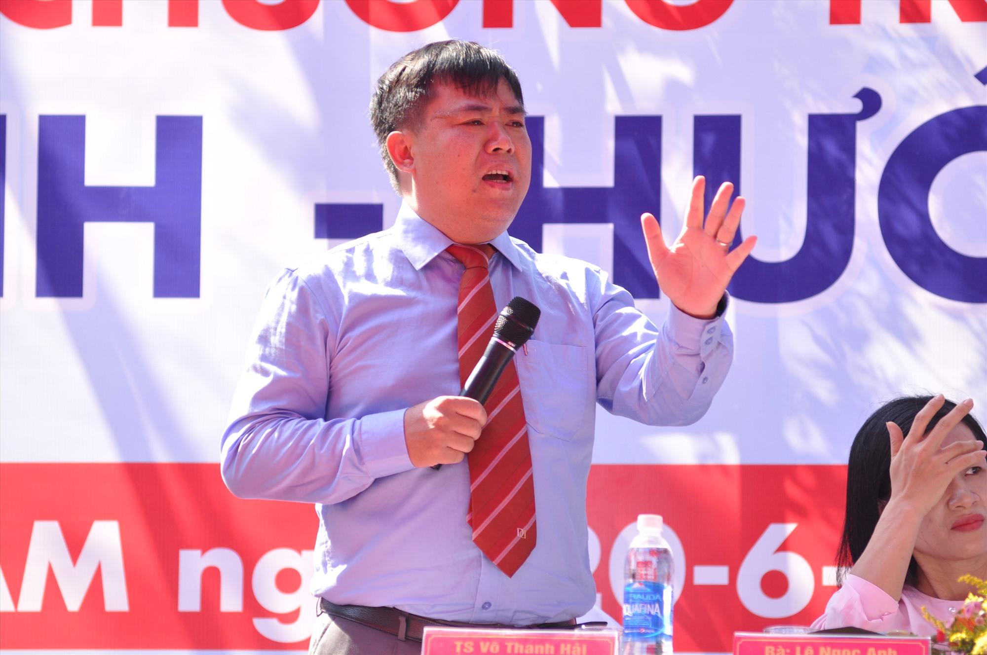 TS Võ Thanh Hải - Phó Hiệu trưởng Trường Đại học Duy Tân chia sẻ kinh nghiệm đăng ký xét tuyển. Ảnh: X.P