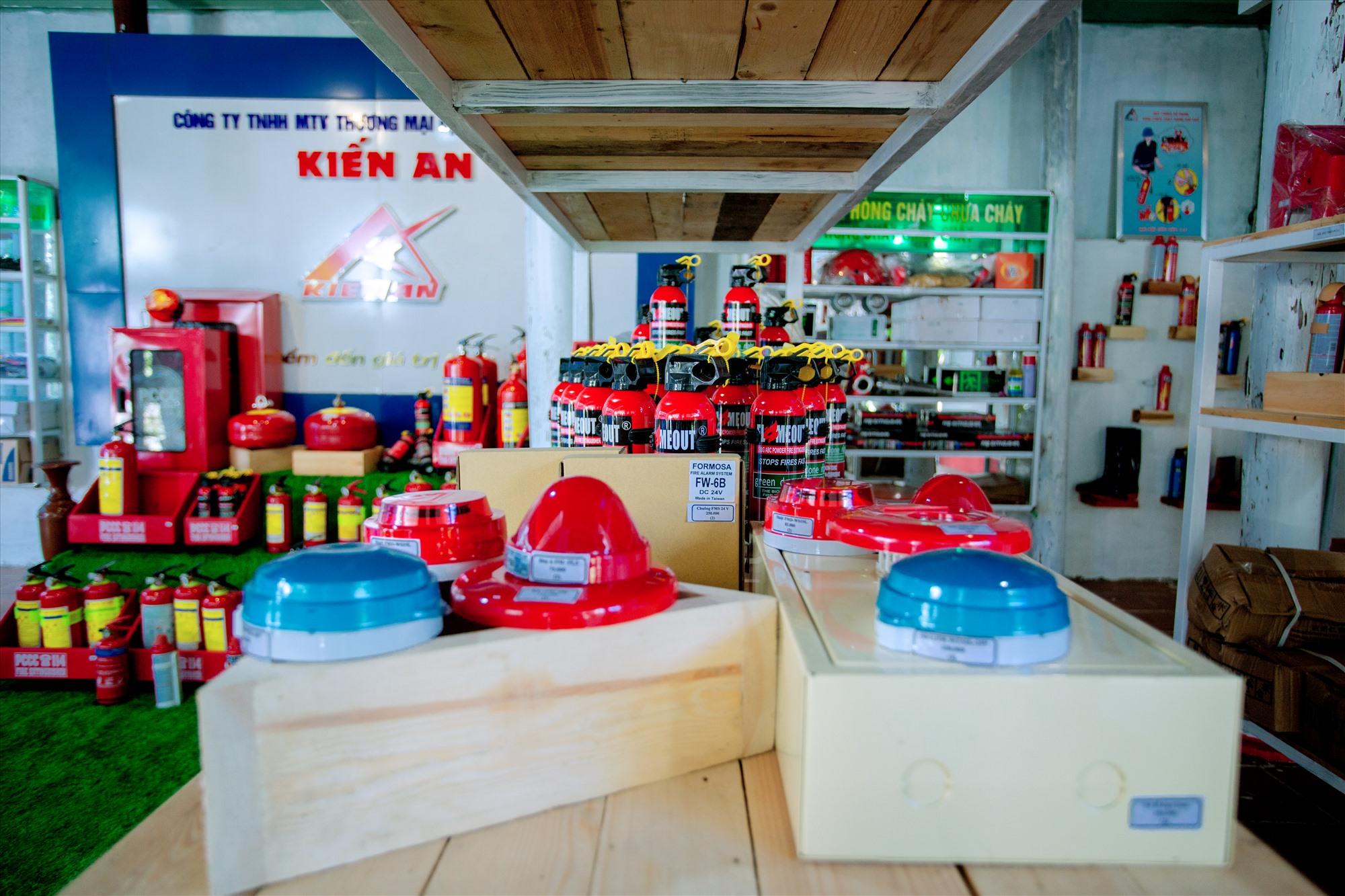 Showroom của công ty - nơi khách hàng đến tham quan, chọn lựa sản phẩm. Ảnh: K.A
